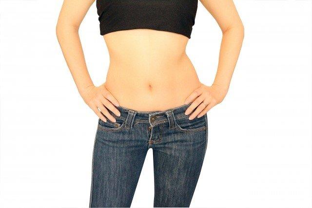 腹筋ダイエットで下腹をスッキリさせるやり方!呼吸法も大事
